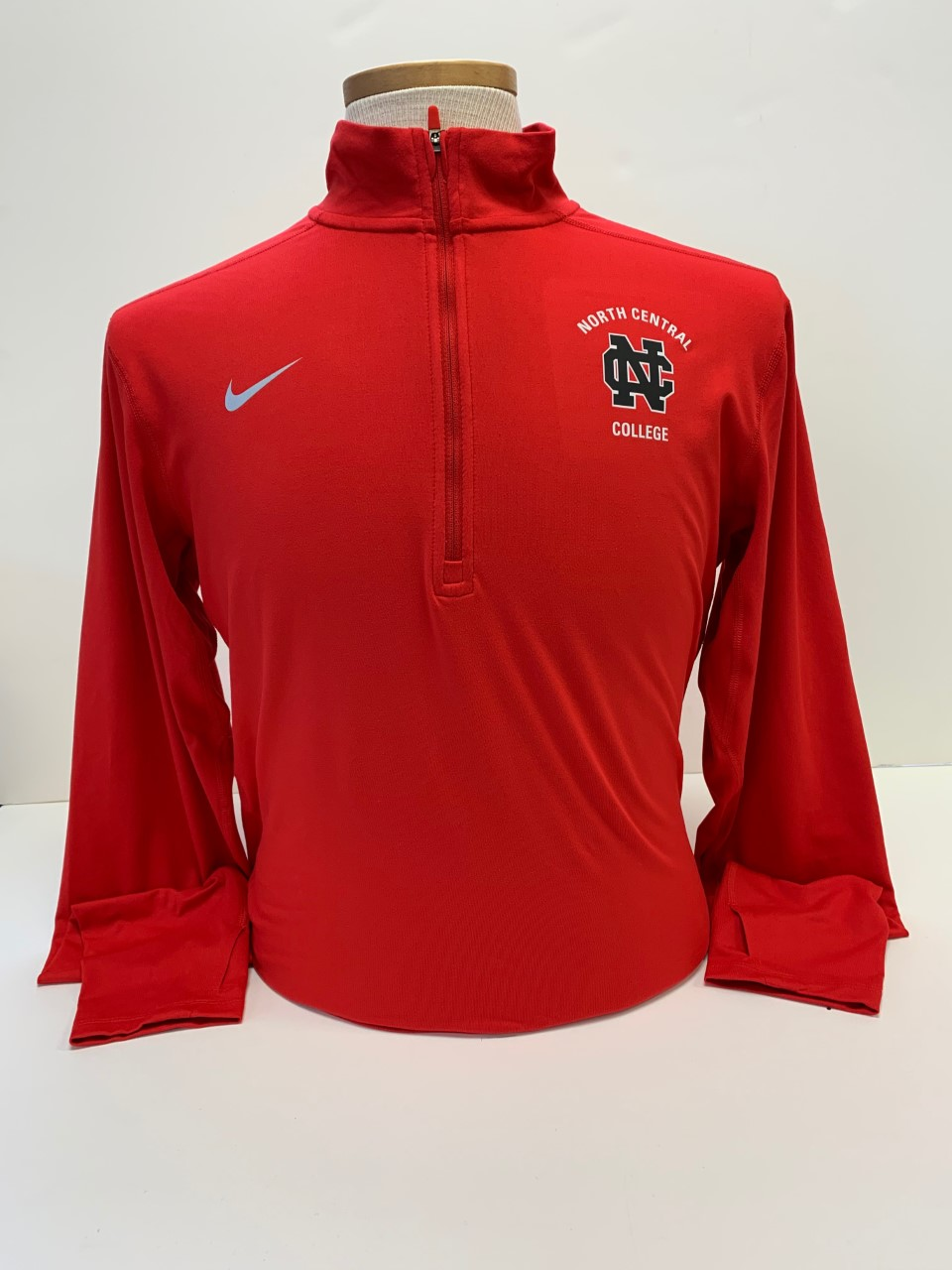 Image for the Nike Solid Element 1/4 Zip Top product