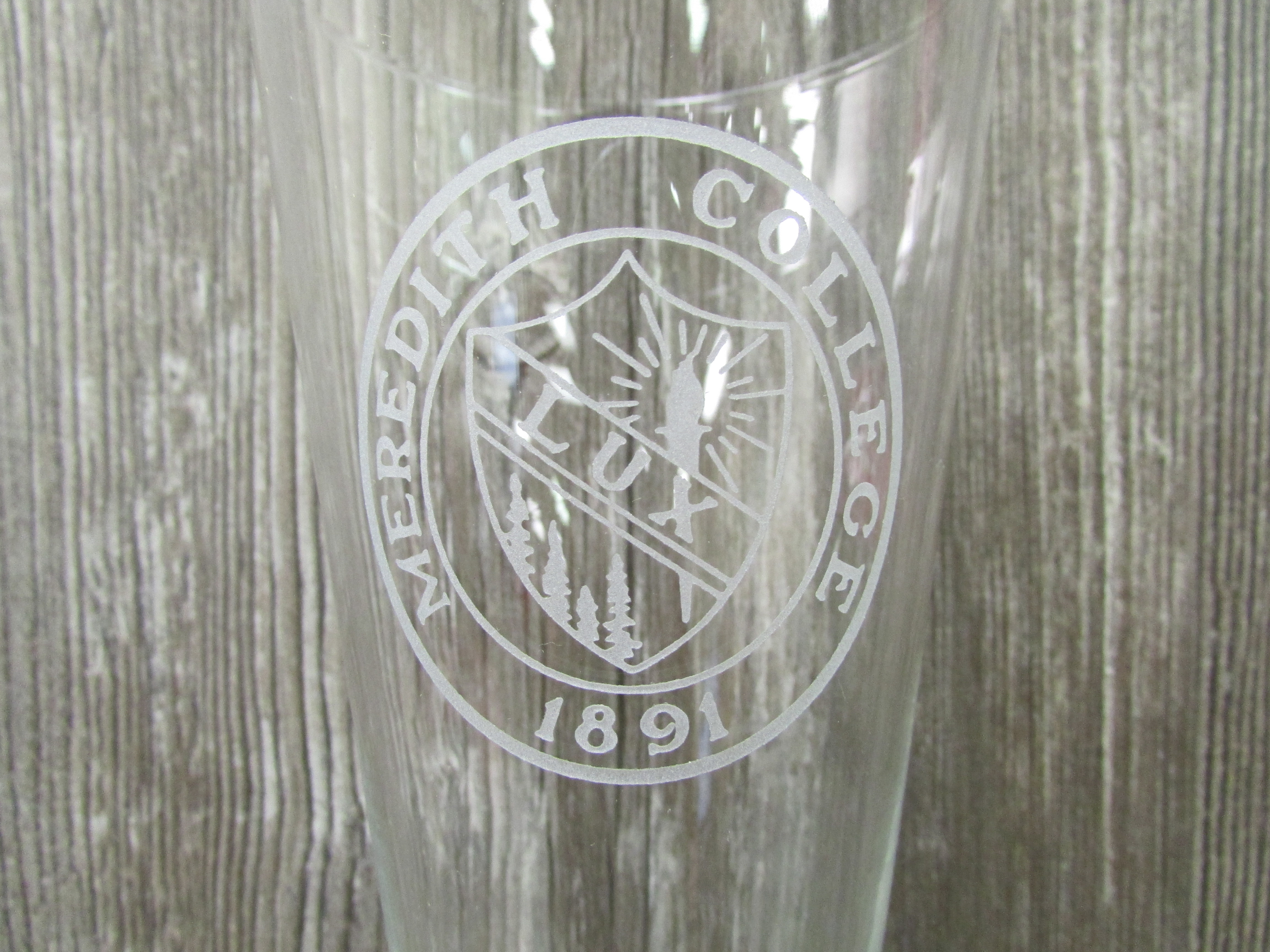 Alternative Image for the Pilsner Glass 16 oz. Meredith Seal product
