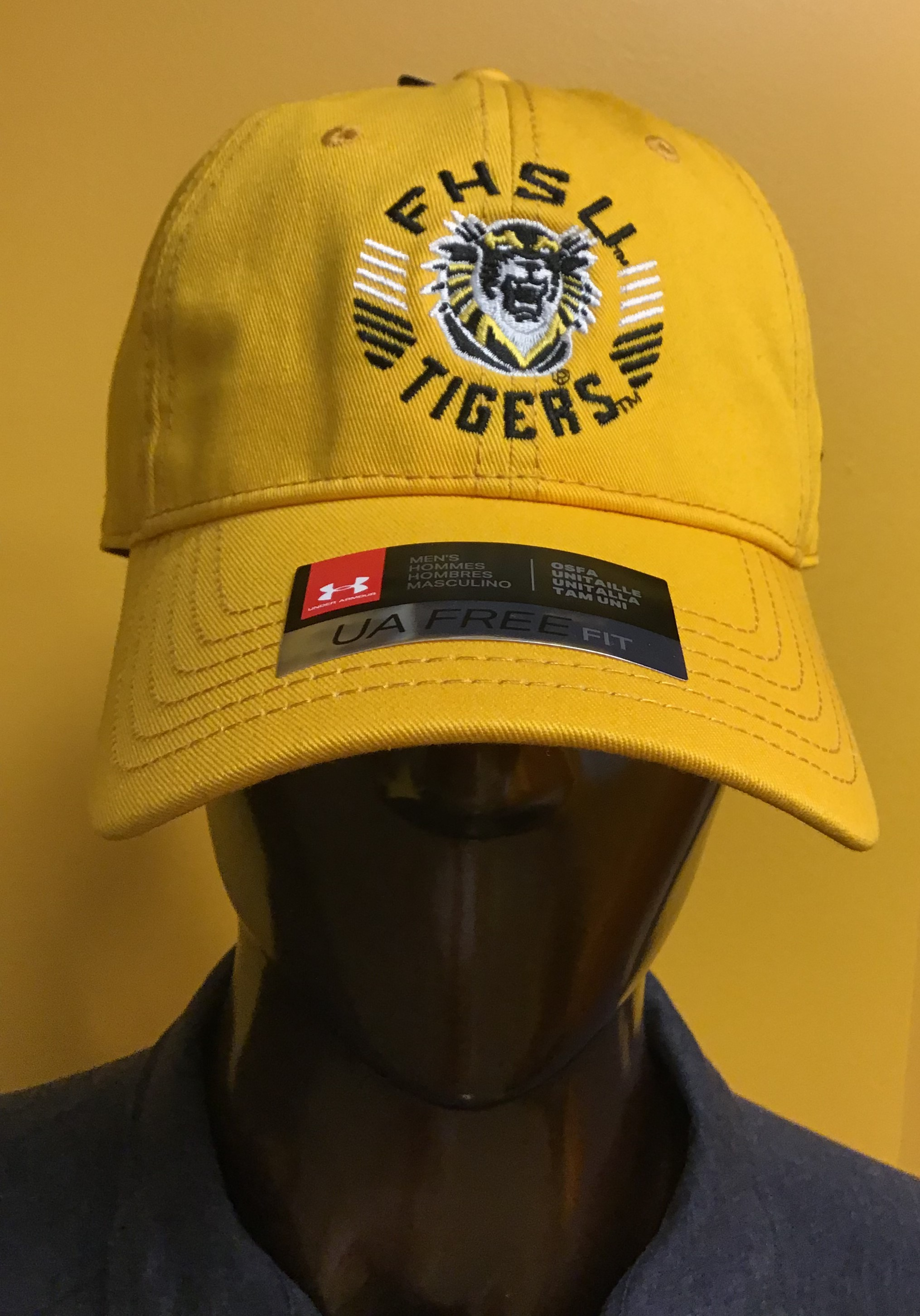 Image for the Hat Classic Fit Garment Washed Twill Gold Under Armour product