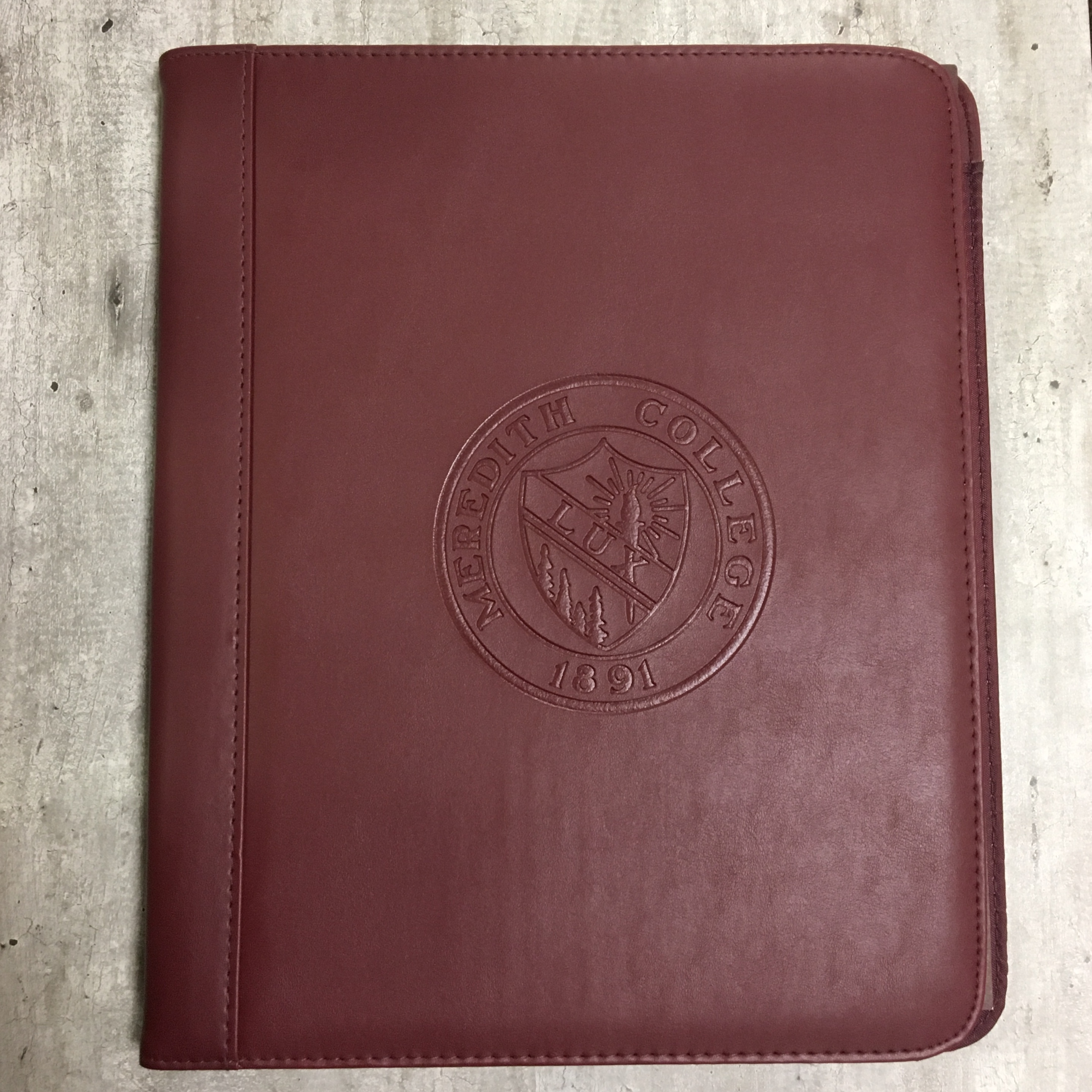 Image for the Glendale Padfolio, Seal product